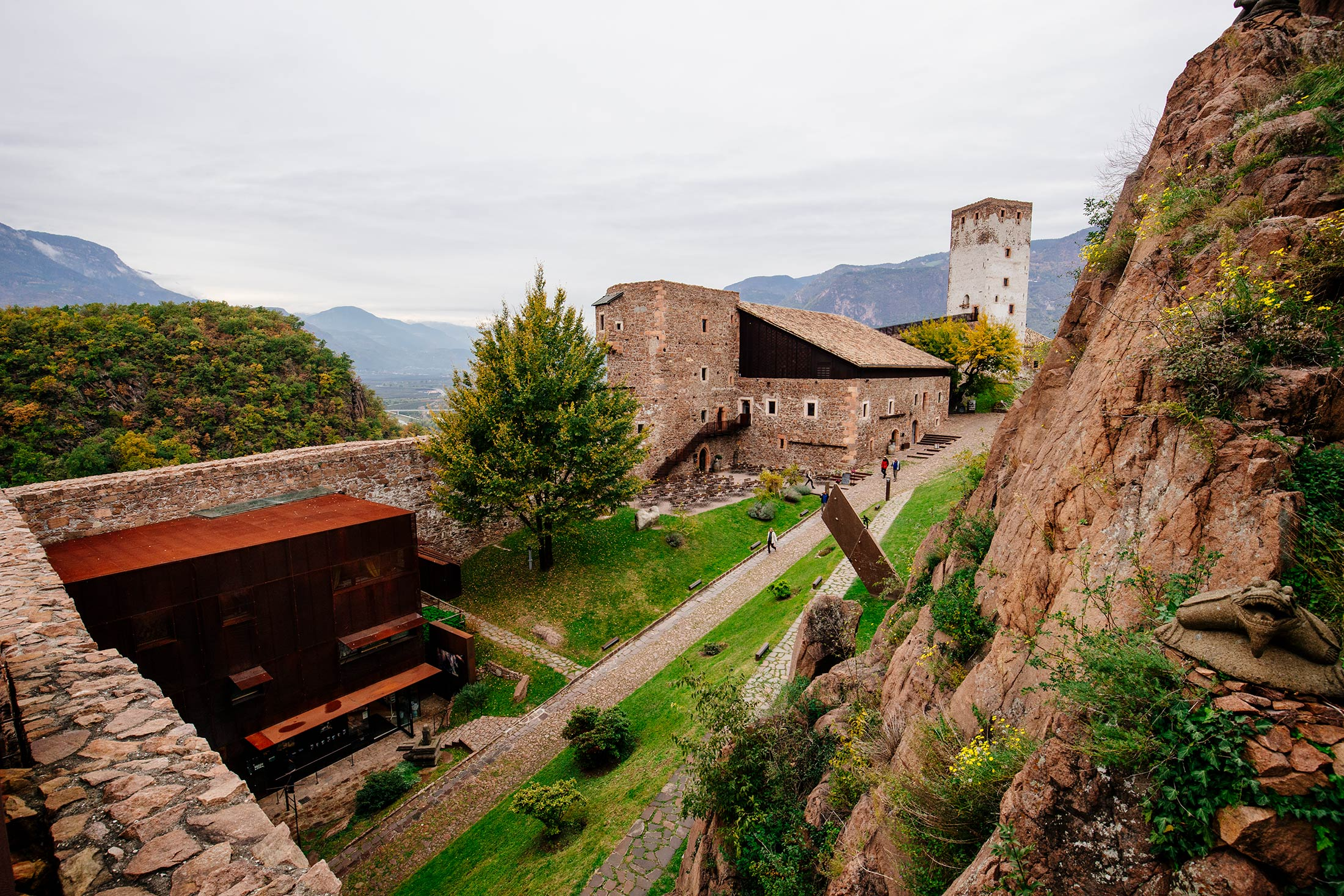 Messner_Mountain_Museum_17-Mitja_Schneehage